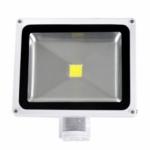 LED prožektorius 30W, šilta šviesa, su davikliu