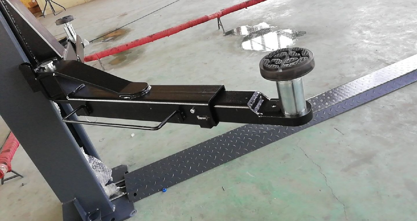 2 kolonų elektrohidraulinis keltuvas SMART EQUIPMENT STJH400F