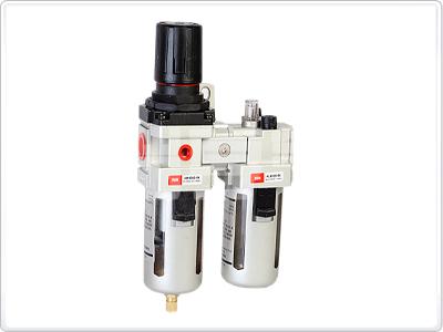 Oro srauto reguliatorius su drėgmės filtru ir tepaline 1/2'', 3000l./min (AC4010-04D)